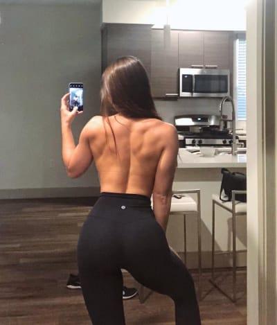 Anfisa Nava Flaunts Her Incredible Back