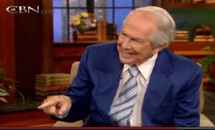 Pat Robertson on Gay Men Kissing, Facebook: Is There a Vomit Button?