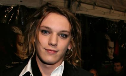 Bonnie Wright and Jamie Campbell Bower: Dating!