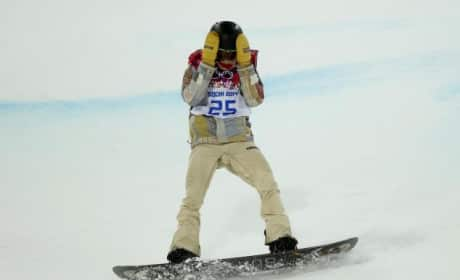 Shaun White Falls, Fails to Medal in Sochi