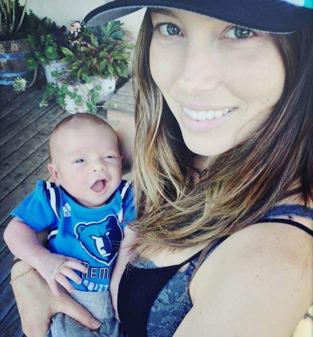 Jessica Biel, Son