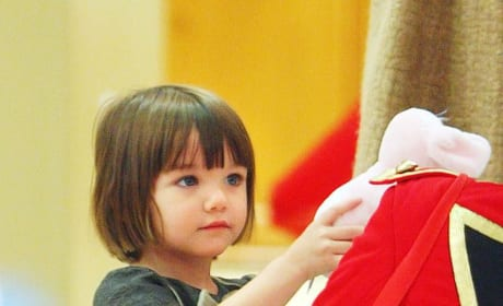 Suri Cruise Finds Holiday Cheer