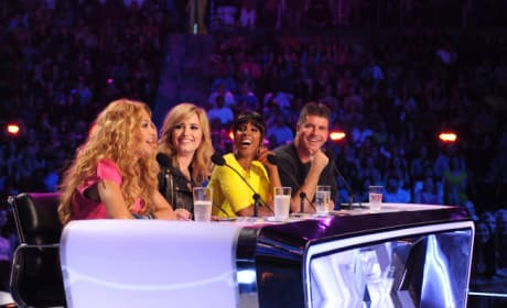 Paulina Rubio, Demi Lovato, Kelly Rowland and Simon Cowell