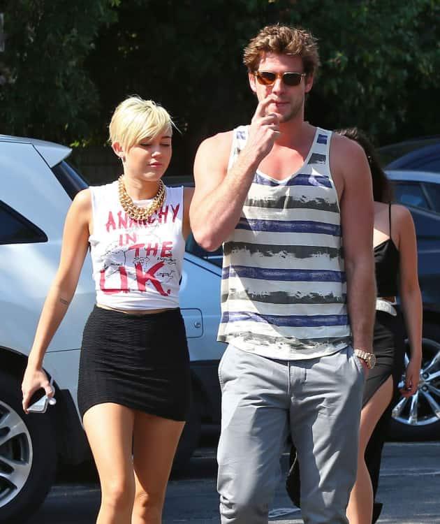 Cyrus and Hemsworth