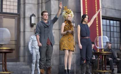 Catching Fire Still: Peeta and Katniss Defiant!