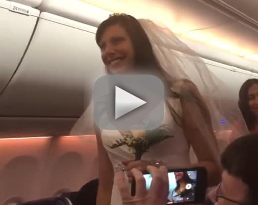 Couple gets married on a southwest airlines flight