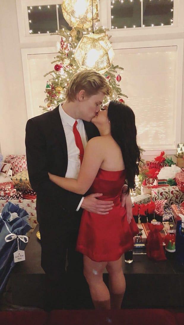 Ariel Winter, Levi Meaden Christmas Kiss 2017 - The Hollywood Gossip