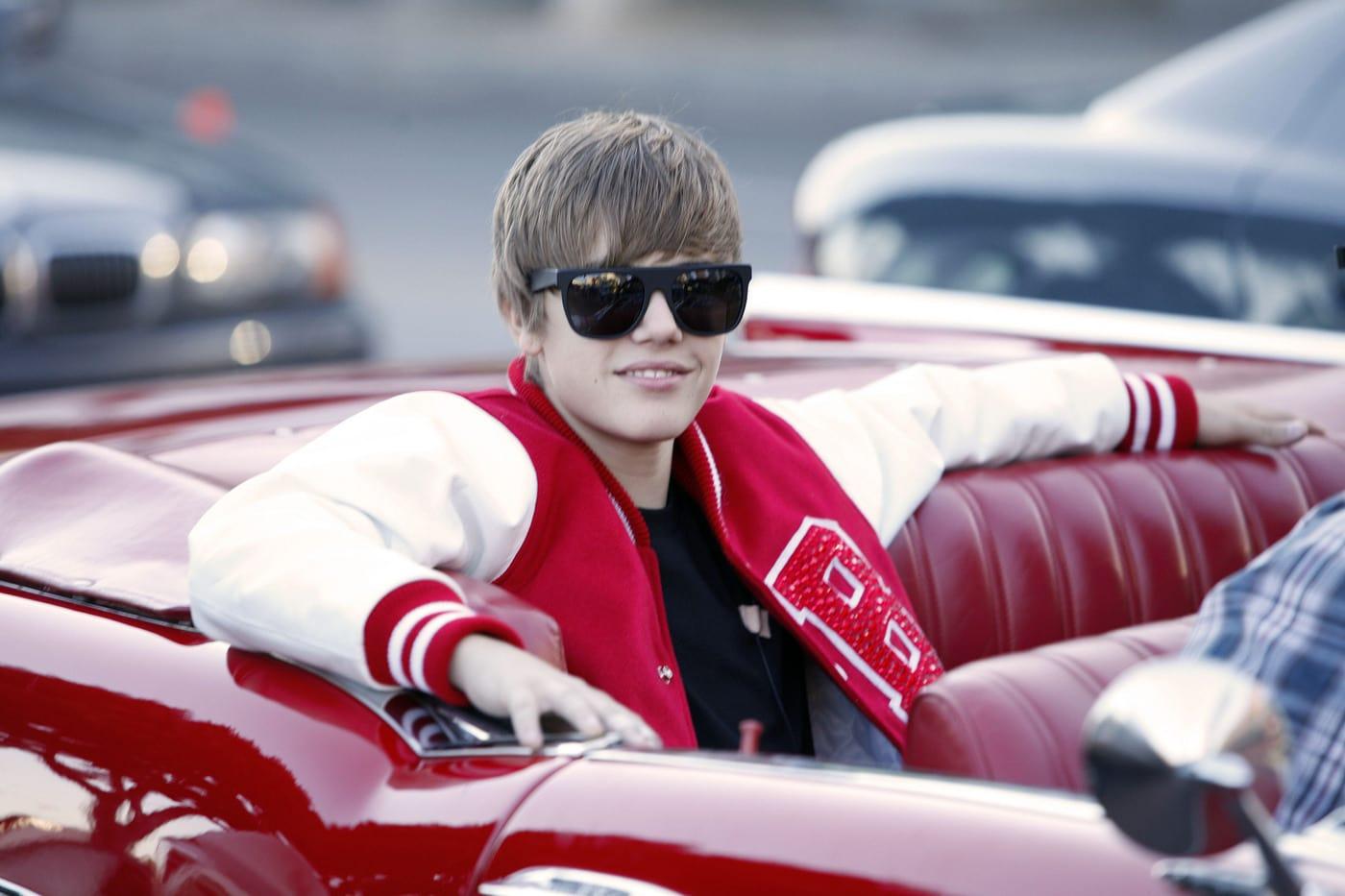 Seriously) Coming Soon: Justin Bieber Nail Polish! - The Hollywood ...
