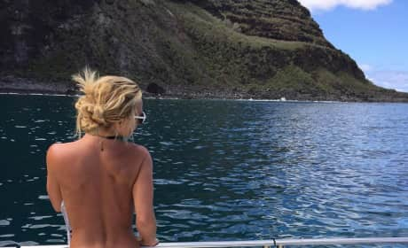 Britney Spears Topless Hawaii Pic