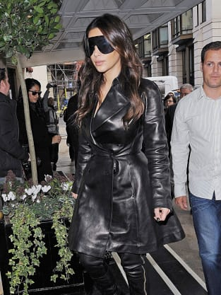 Kim Kardashian Big Sunglasses  enormous kim kardashian sunglasses awesome or ugly the