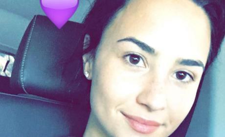 Demi Lovato: Who Needs Makeup?!?