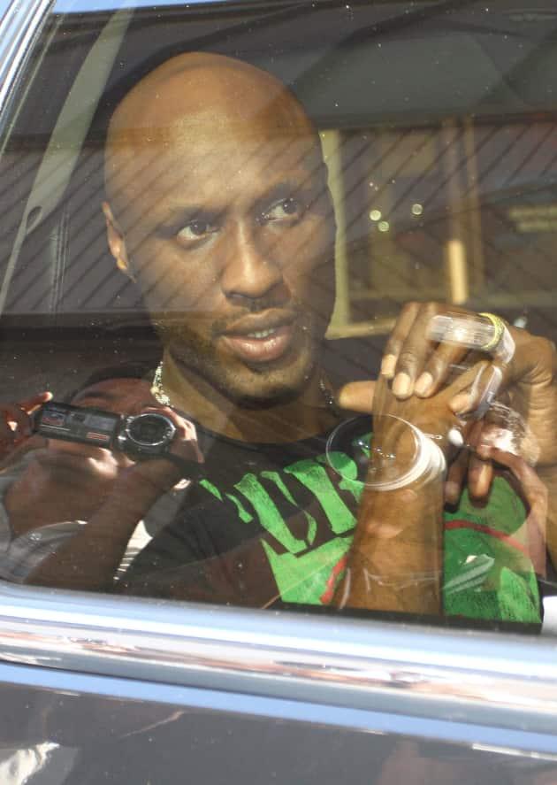 Lamar Odom in Backseat