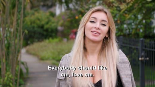 Yara Zaya - everyone should like me, love me