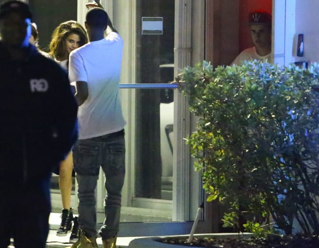 Selena Meeting Up with Justin