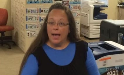 Kim Davis: Kentucky Clerk JAILED For Refusing to Grant Same-Sex Marriage Licenses!