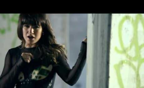 "Kelly Clarkson - ""Dark Side"" (Official Music Video)"