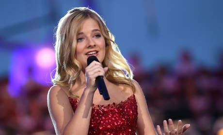 Jackie Evancho Pic