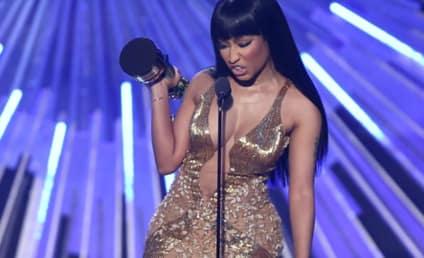 Nicki Minaj SLAMS Miley Cyrus During Acceptance Speech