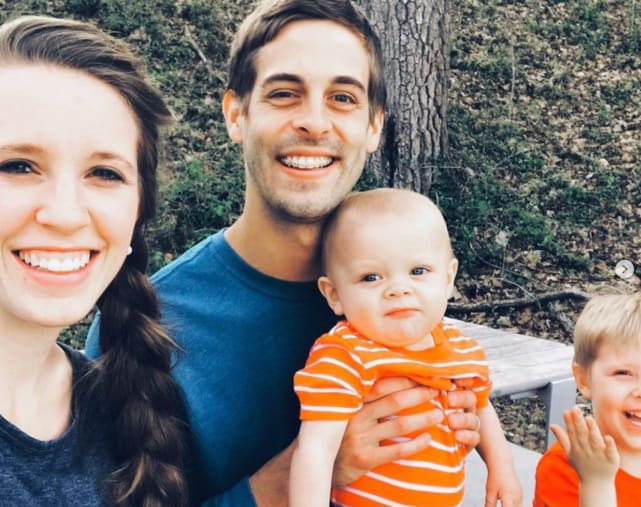 Derick dillard with his family