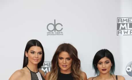 Khloe Kardashian, Kylie and Kendall Jenner: AMAs Photo