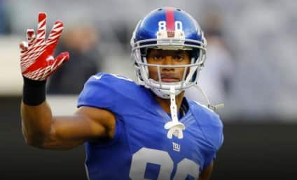 Victor Cruz Visits Family of Jack Pinto, Young Sandy Hook Victim