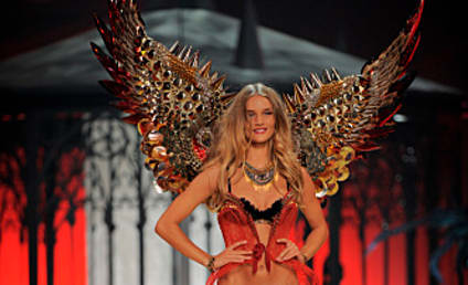 Victoria's Secret Fashion Show-Down: Rosie Huntington-Whiteley vs. Candice Swanepoel