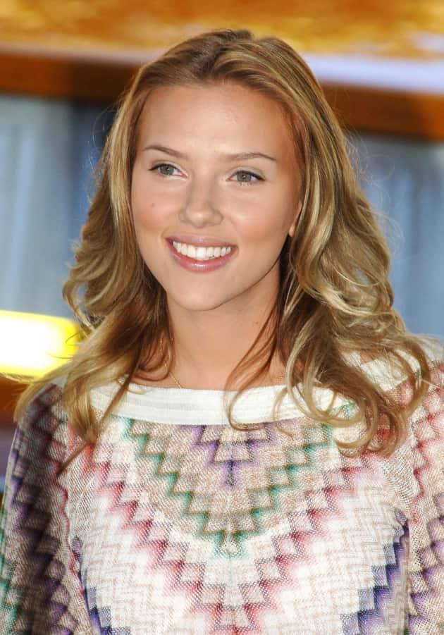 Scarlett Johansson Sunny Photo