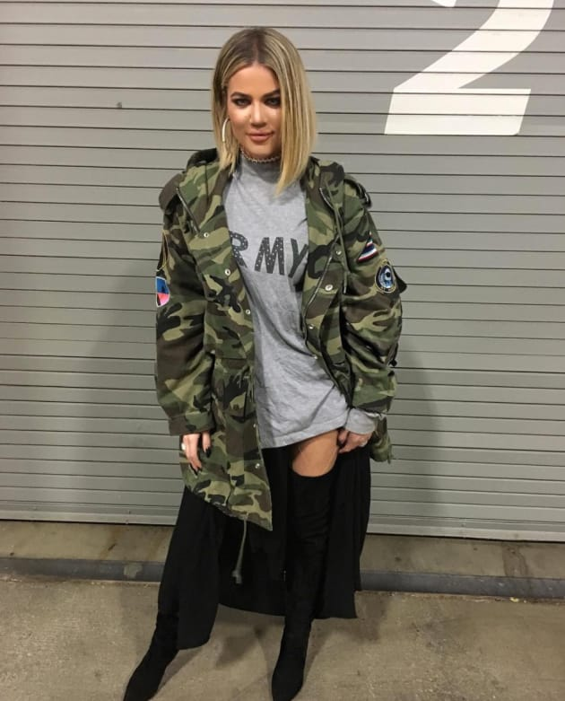 Khloe Kardashian Shows Off Her Body And Her Huge Lips