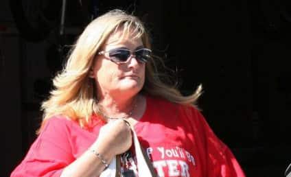 Debbie Rowe Files Lawsuit Over Jackson Custody Rumors