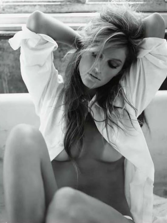 Gisele Topless - The Hollywood Gossip-7417