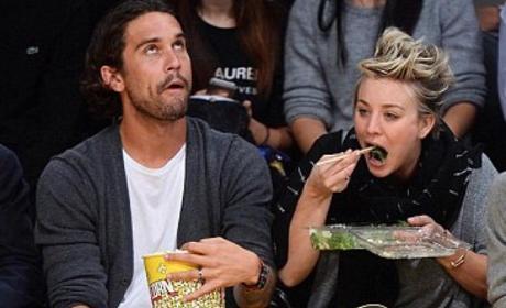 Kaley Cuoco and Ryan Sweeting Eating