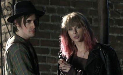 Taylor Swift Music Video Stills: Pink and Punk!