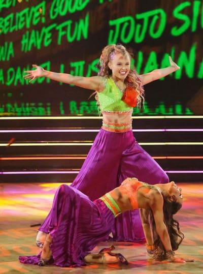 JoJo Siwa with Jenna Johnson