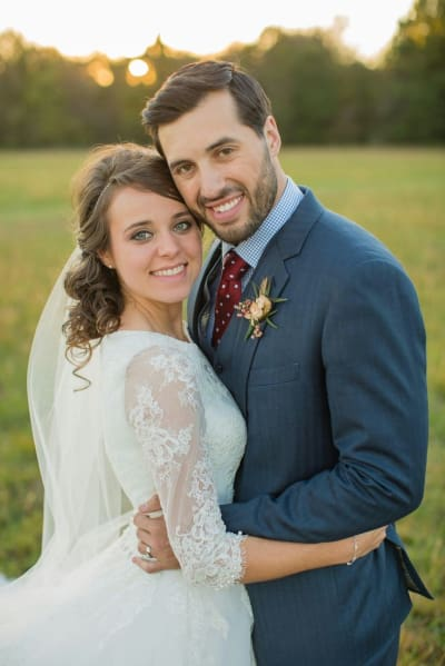 Jinger Duggar Wedding Dress.Duggar Women Reveal Unique Wedding Dress Tradition Watch The