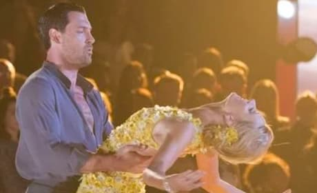 Heather Morris and Maksim Chmerkovskiy Dance