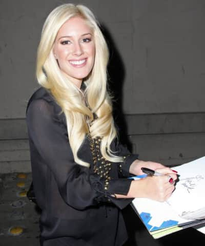 Signing Autograph