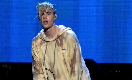 Justin Bieber Closes American Music Awards: WATCH!