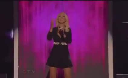 """Christina Aguilera, Pitbull """"Feel This Moment"""" at Billboard Music Awards"""