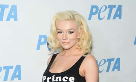 Courtney Stodden Baby Bump Image