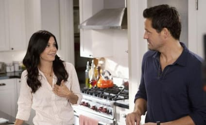 "Courteney Cox ""In Love"" with Mysterious Cougar Town Co-Star, Source Claims"