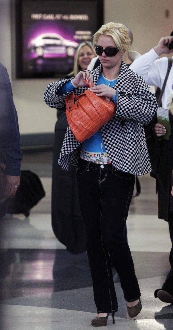 Britney Spears Walks Through Airport