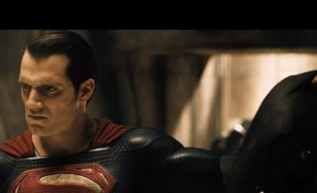Batman v Superman Trailer Teaser Released: Watch!!