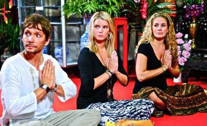 Jessica Simpson Kicks it with Monks, Pals