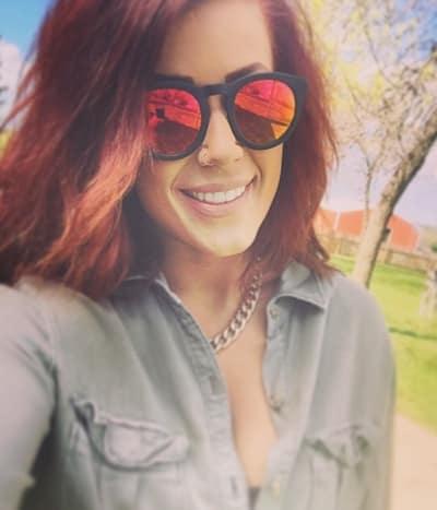 Chelsea Houska in Sunglasses