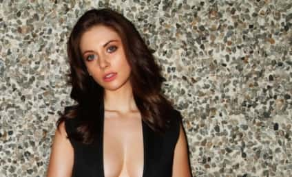 Alison Brie Esquire Alison Brie - The Holl...
