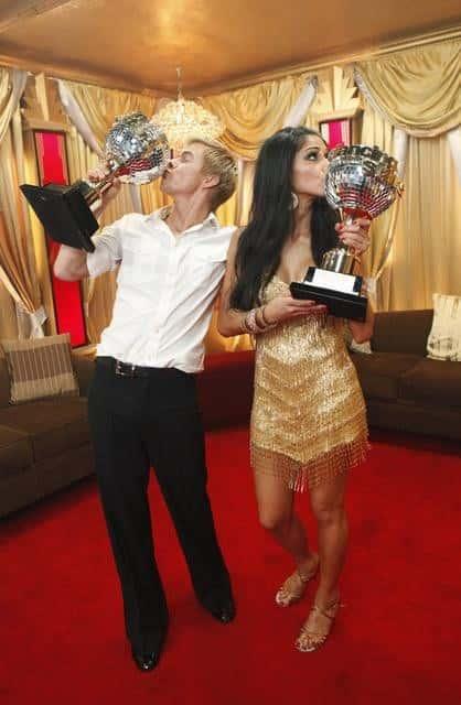 Nicole Scherzinger, Derek Hough Win!