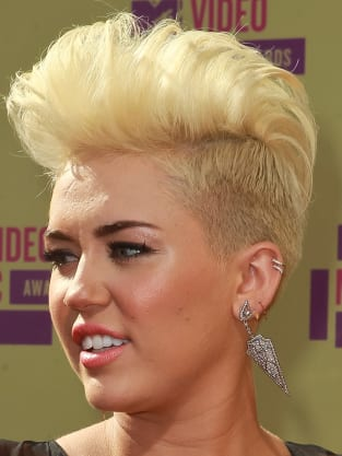 Miley Cyrus Blonde Hairstyle