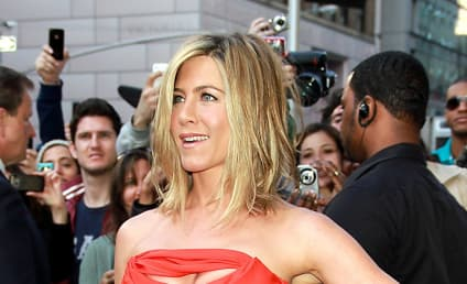 Jennifer Aniston: Moving in With Justin Theroux?