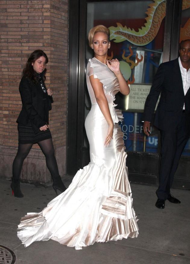 Elegant Rihanna