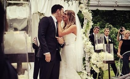 Scooter Braun Marries Yael Cohen, Gets Serenaded by Justin Bieber